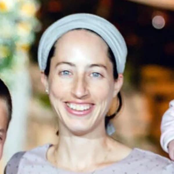 נעמה ישורון | יו״ר מנהל עמותת לה״ב